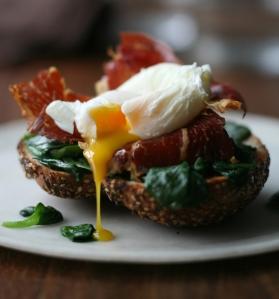 Bagel Prosciutto Eggs